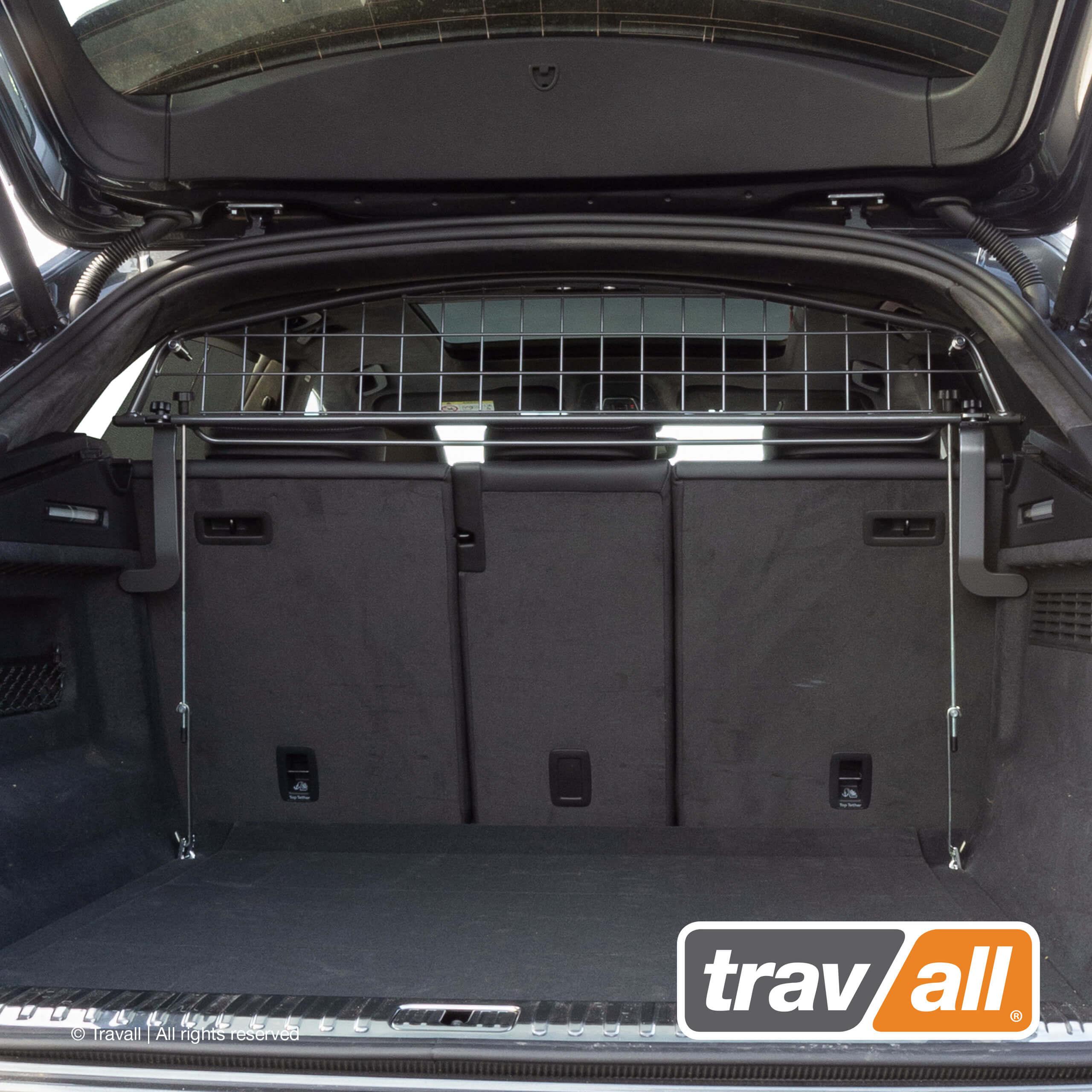 Travall hat ein neues Hundegitter für Audi Q8 entwickelt. Der Travall Guard TDG1625 wird ohne Veränderungen im Auto eingebaut und fügt sich perfekt in das elegante Interieur des Audi Q8 SUV-Coupés ein.