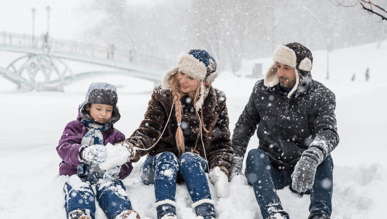 Winteraktivitäten müssen nicht teuer sein. Wir haben ein paar Ideen zusammengestellt, die ihr mit eurer Familie ganz einfach umsetzen könnt und die sicher allen Beteiligten Spaß machen. © Pexels.com