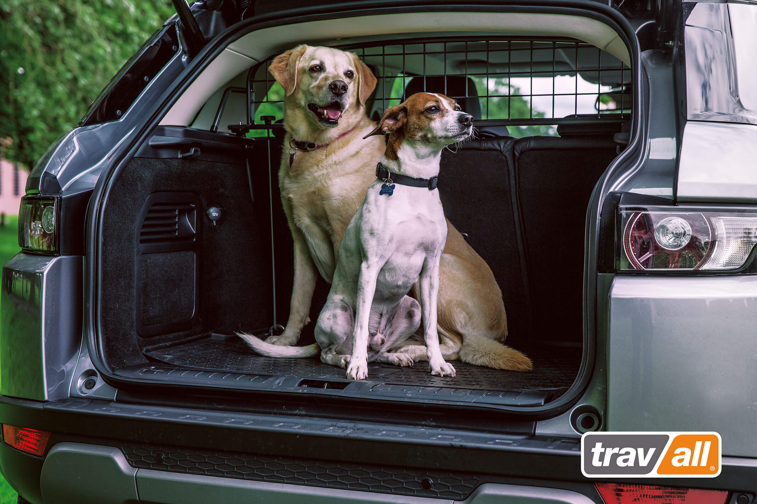 Travall Guard - Vehicle Pet Barrier